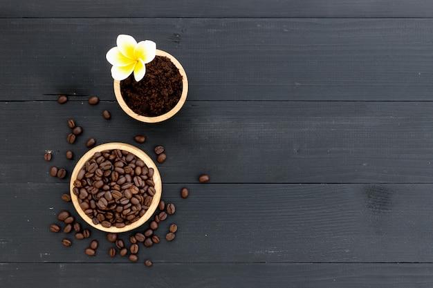 健康な肌。スパ用コーヒースキンスクラブ Premium写真