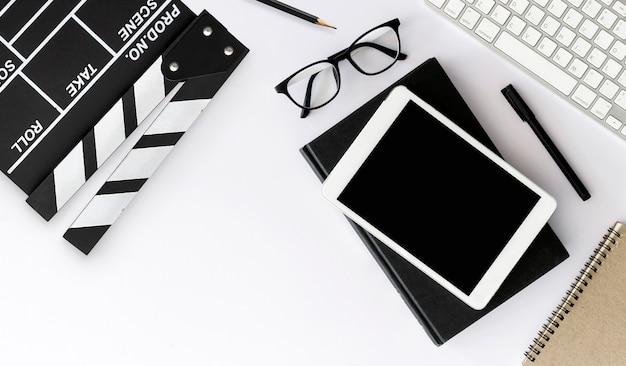 映画監督の机。トップビューショット Premium写真