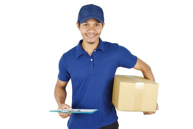 Доставка . молодой доставки, холдинг коробки и буфера обмена. Premium Фотографии