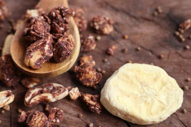 カシューナッツと健康的なグラノーラ Premium写真