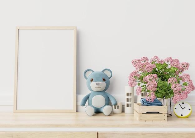 子供部屋のインテリアでポスターをモックアップ Premium写真