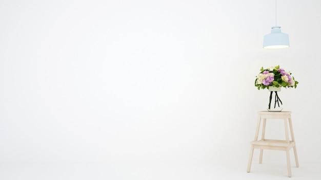 白い部屋のテーブルの上に花します。 Premium写真