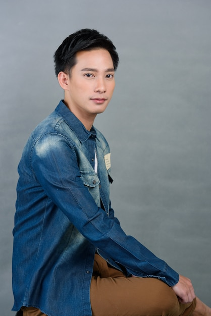 肖像画アジアの若い男、ティーンエイジャー、 Premium写真