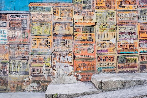 Стрит-арт живопись или граффити на стене на голливуд-роуд, гонконг Premium Фотографии