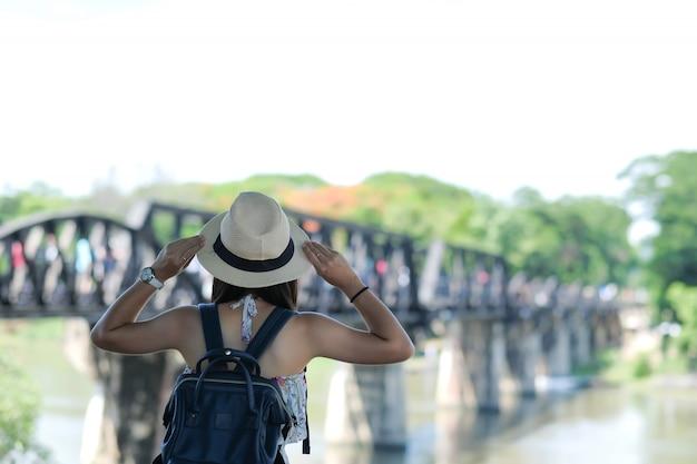 Путешествие в канчанабури, таиланд Premium Фотографии