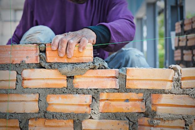 Каменщик рабочий Premium Фотографии