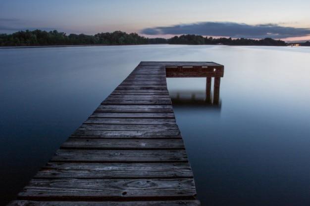 ぼんやりとした湖 無料写真