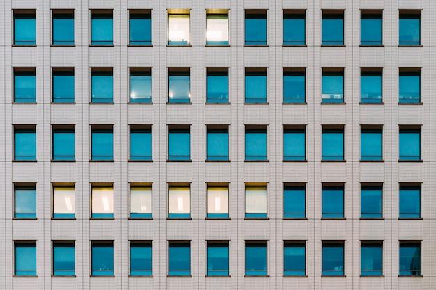 モダンな建物のファサード Premium写真