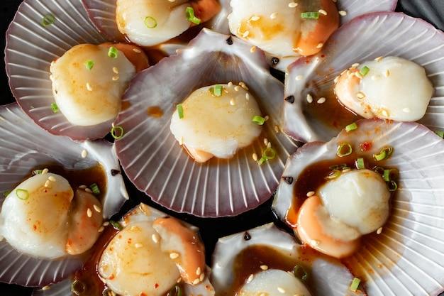 材料調味料入りホタテ貝のシーフード Premium写真