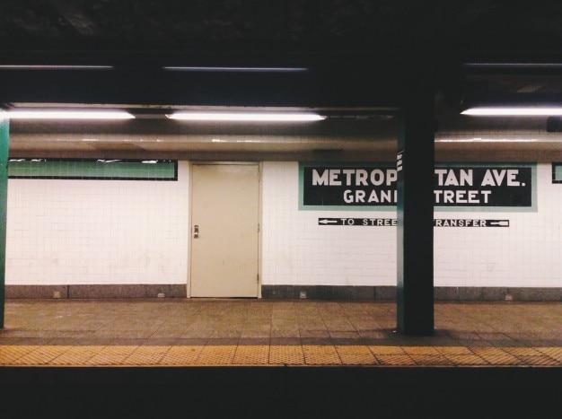 地下鉄駅 無料写真