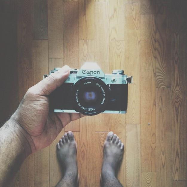 ヴィンテージキヤノンカメラ自分撮り 無料写真
