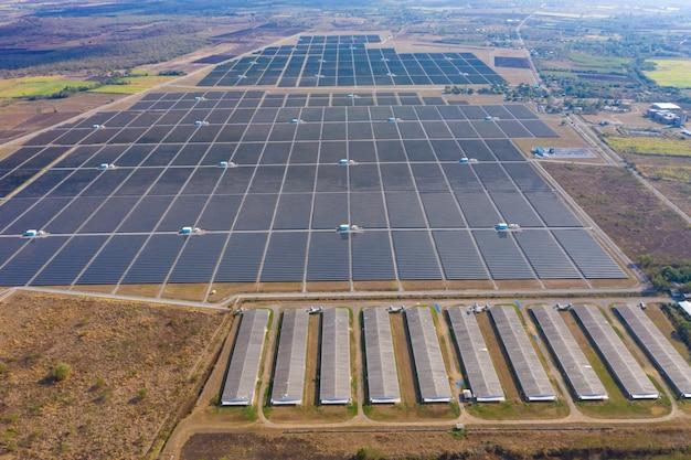 タイの空中展望太陽電池エリア工場ファーム Premium写真