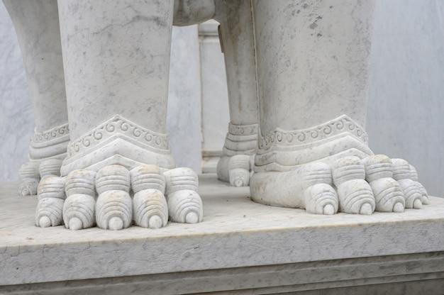 仏教寺院のテクスチャ大理石詳細像 Premium写真