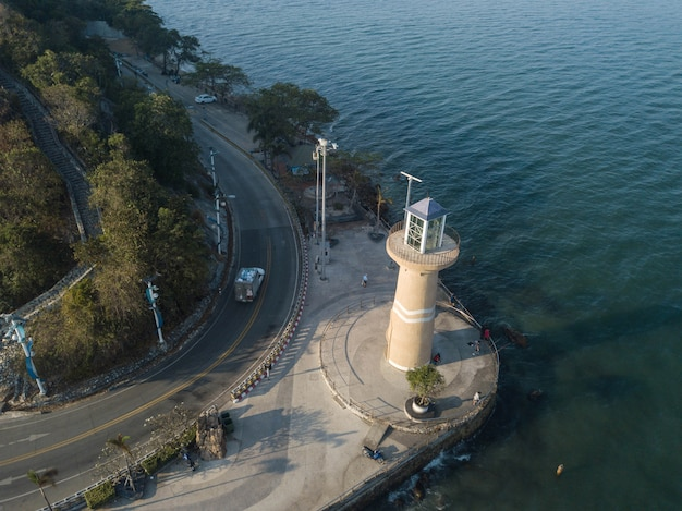 Аэрофотоснимок лаем бали хай маяк марина клуб паттайя бич таиланд Premium Фотографии