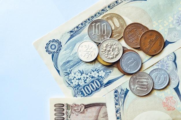 ビジネス向け日本銀行券および硬貨 Premium写真