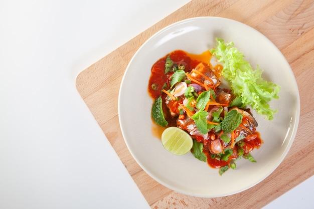 Консервированный салат с сардинами Premium Фотографии