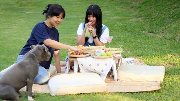 家族のピクニック Premium写真