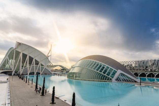 バレンシア科学都市のパノラマ映画 Premium写真
