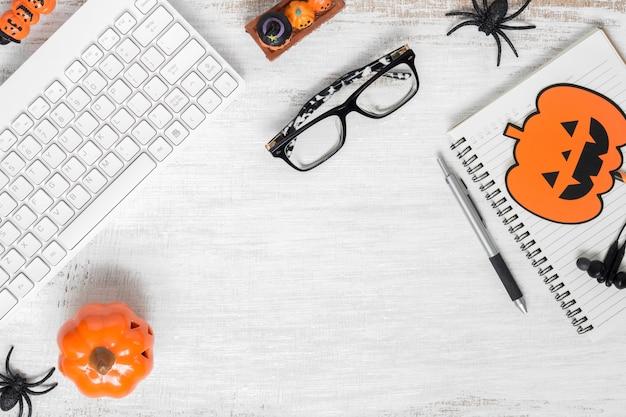 Счастливый хэллоуин фон с рабочего стола плоской планировки Premium Фотографии