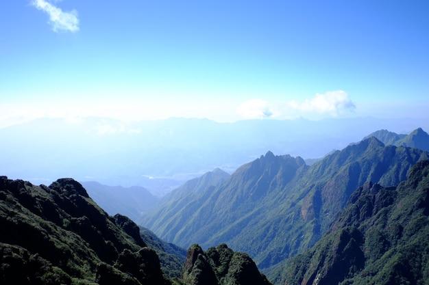 Горный холм путь дорога панорамный пейзаж Premium Фотографии