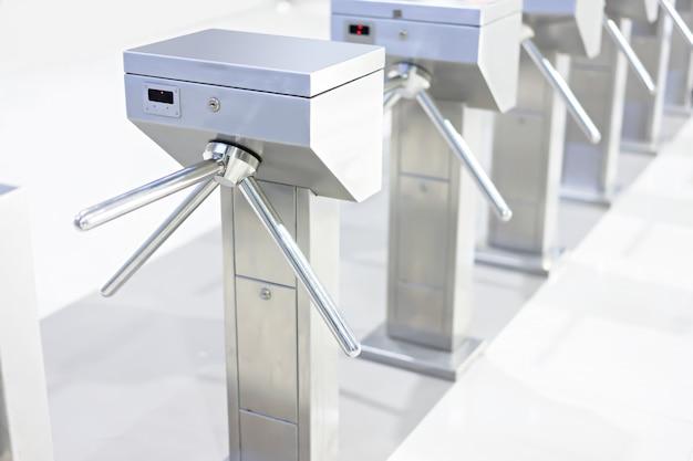 方法出口または入口のための回転木戸のゲート Premium写真