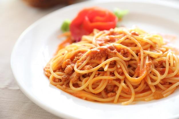 ボロネーゼスパゲッティ Premium写真