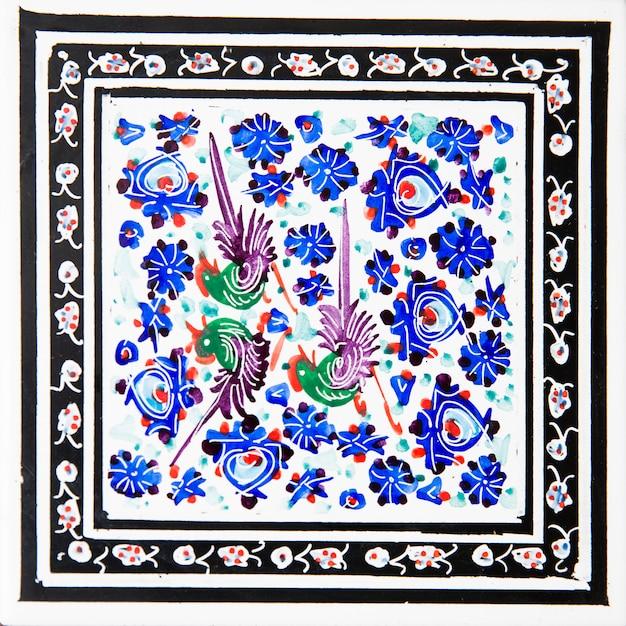 イランの装飾的なセラミックタイル Premium写真