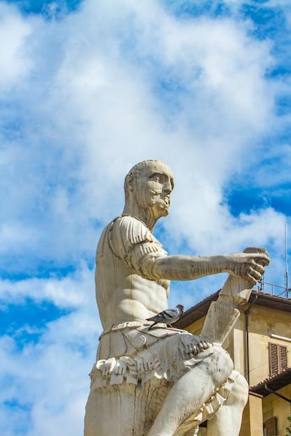 フィレンツェのジョヴァンニ・デッレ・バンド・ネレの記念碑 Premium写真
