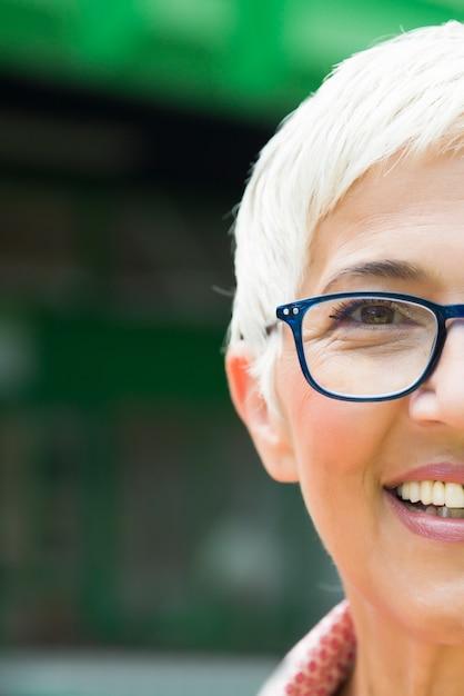 America European Seniors Singles Online Dating Service