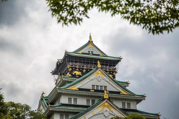 日本の大阪城 Premium写真