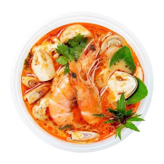 トム・ヤム・ゴングタイのホット・スパイシースープ Premium写真