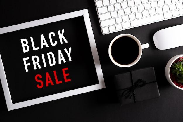 Интернет-магазин и черная пятница. Premium Фотографии