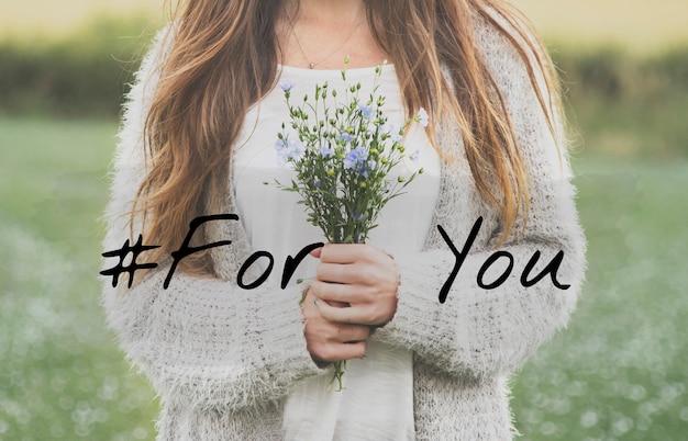 あなたのための特別な花のフレーズの言葉 無料写真