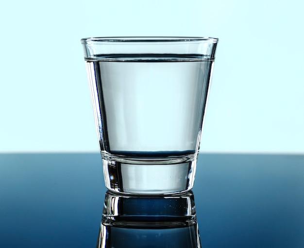 水のマクロショットのガラス 無料写真