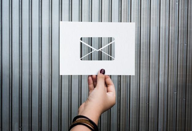電子メールネットワーク通信穴あき紙の手紙 無料写真