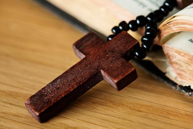 十字架のクローズアップ 無料写真