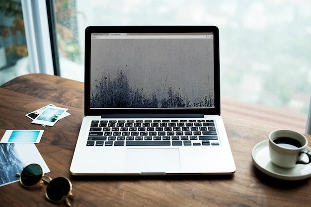 木製の写真の趣味の概念のコンピュータのラップトップの航空写真 無料写真