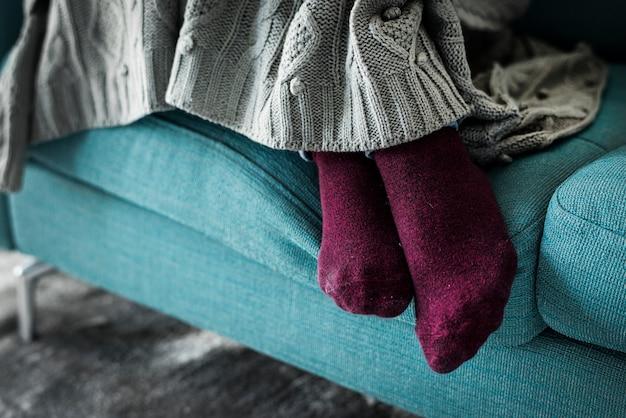 クローズアップ、脚、足、ソファー 無料写真