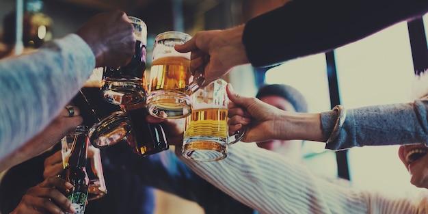 クラフトビールブーズブリューアルコールリフレッシュメント Premium写真