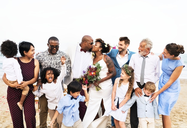 アフリカ系アメリカ人カップルの結婚式の日 Premium写真