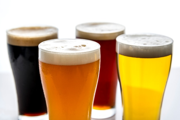 ドラフトビールマクロ写真のパイント 無料写真