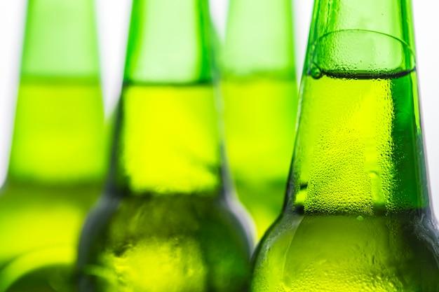 冷たいビールマクロ写真のボトル 無料写真