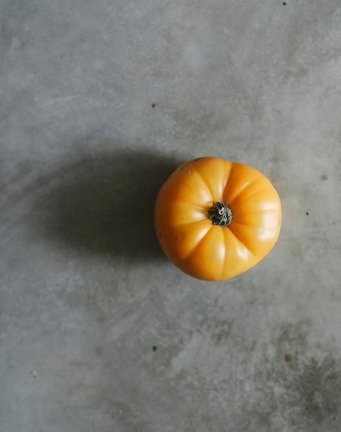 新鮮な有機黄色の家禽トマト 無料写真