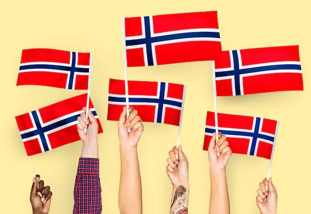 ノルウェーの手を振る手 無料写真