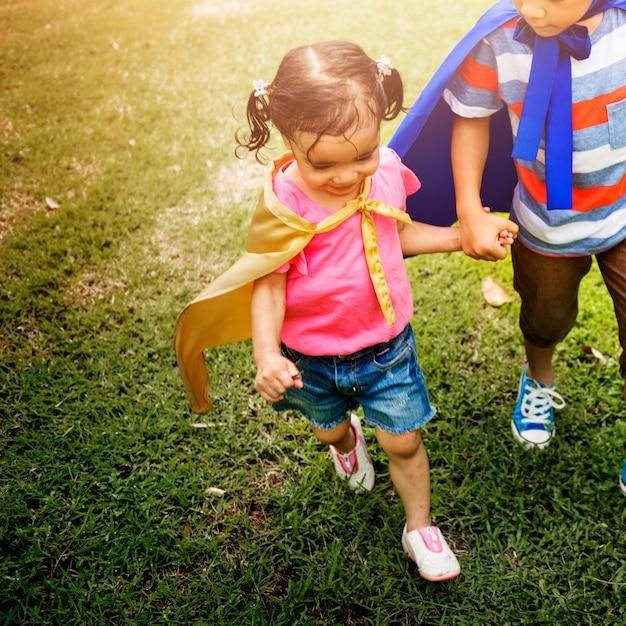 兄弟ドレスアッププレイタイムパークのコンセプト Premium写真