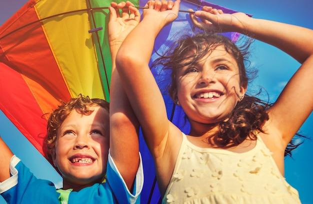 カイトビーチ遊び心のある夏飛ぶコンセプト Premium写真