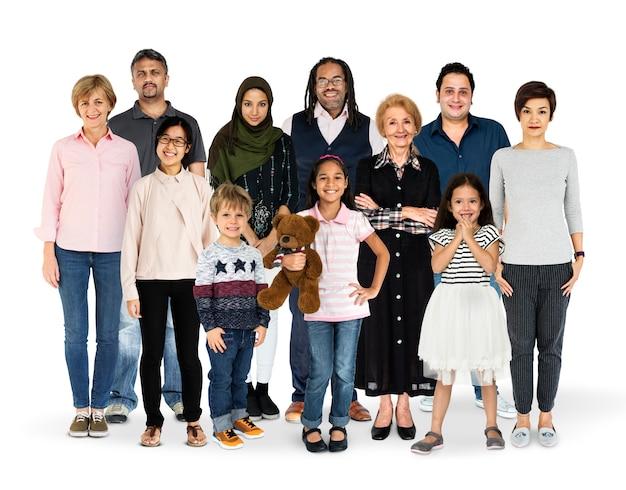 人々の世代の多様性が一緒に設定スタジオ分離 Premium写真