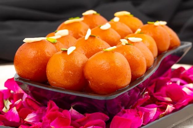 インドの人気デザートグラブジャムン Premium写真