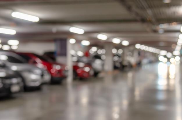Автостоянка внутри Premium Фотографии