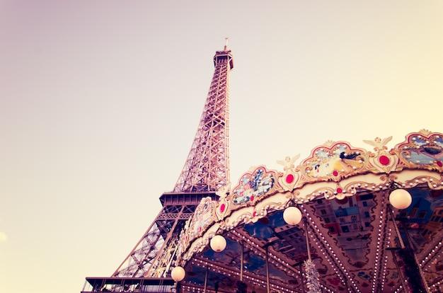 パリのエッフェル塔 Premium写真